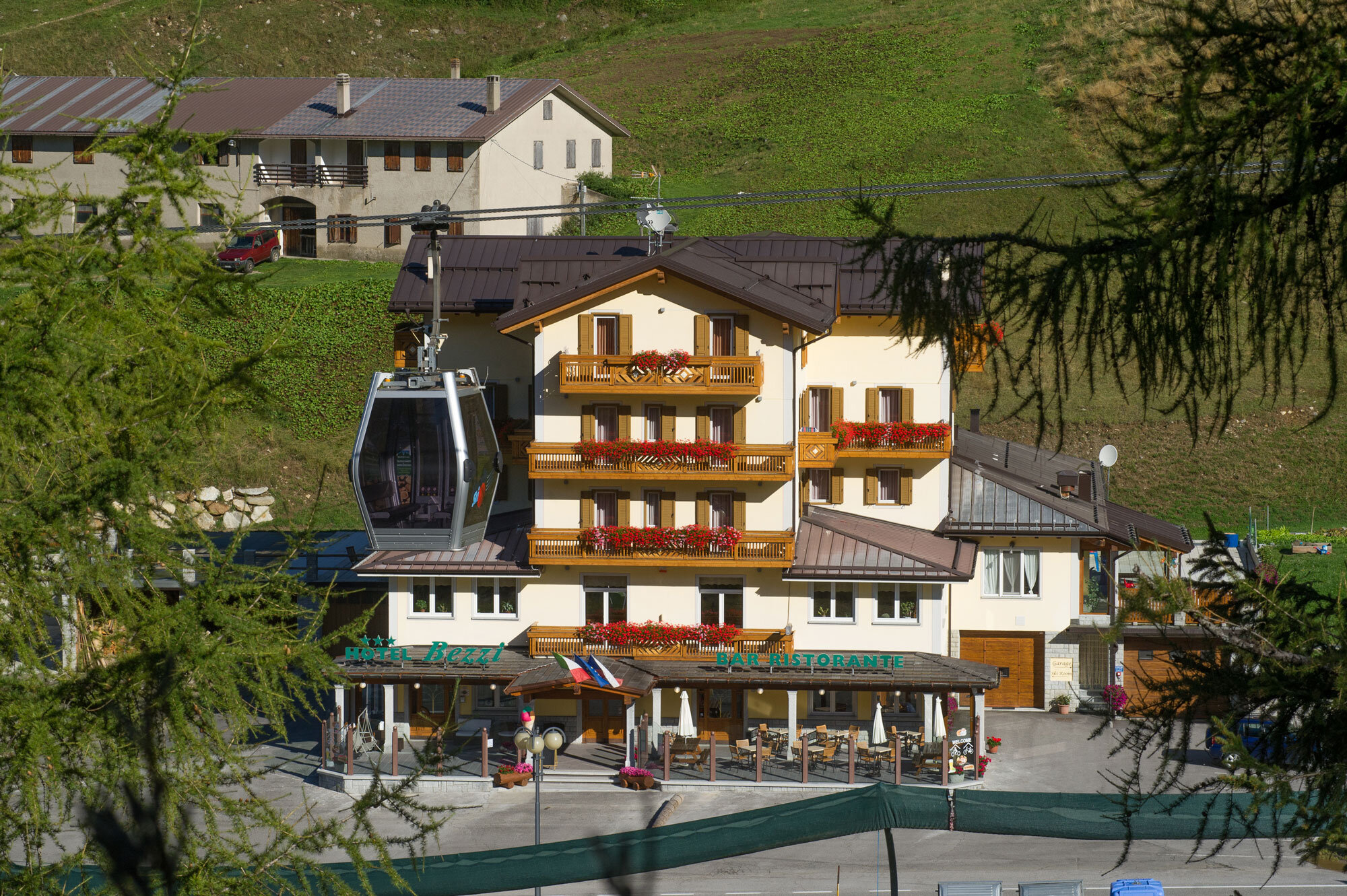 Ufficio Legno Hotel : Hotel bezzi